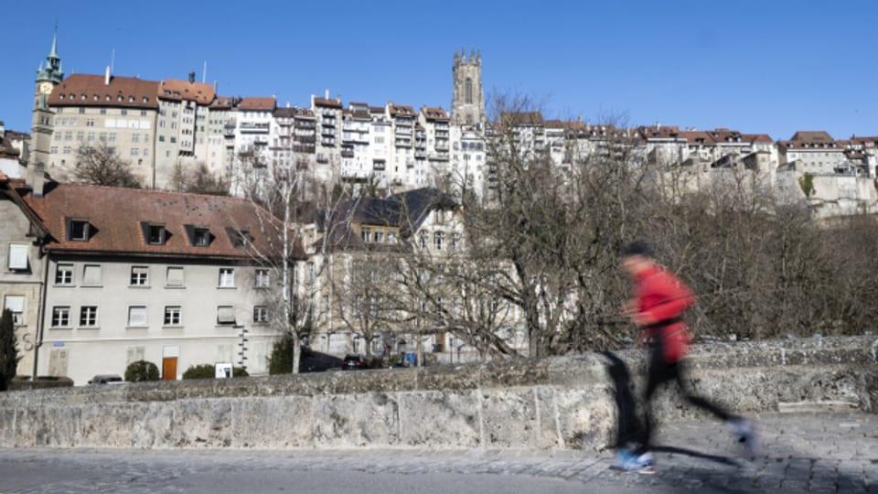 Im Kanton Freiburg sinken die Steuern.