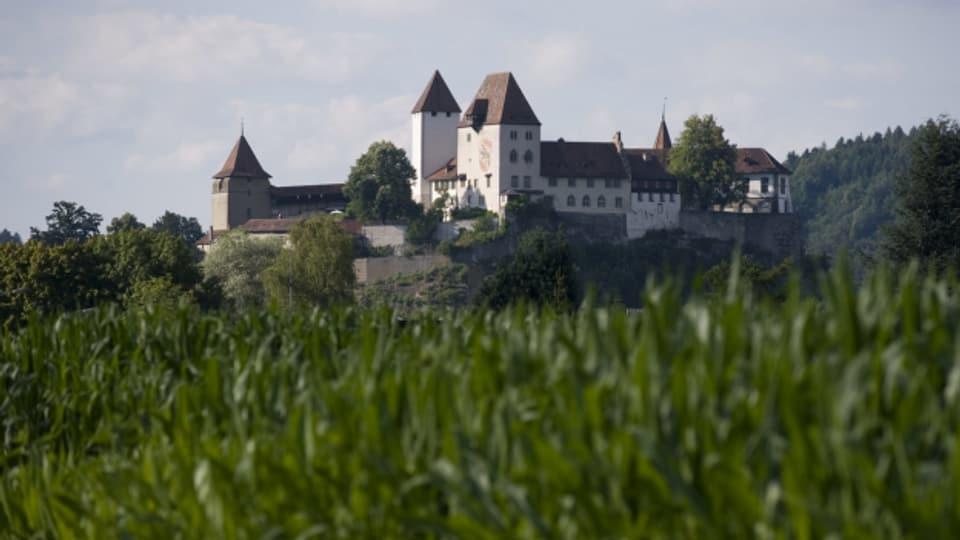 Um infizierte Asylsuchende zu isolieren, wurden sie im Kanton Bern im Hotel untergebracht. Künftig geht es in die Jugi.