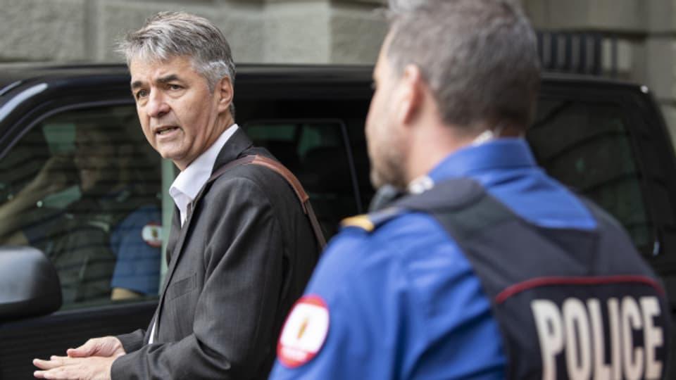 Der Stadtpräsident machte sich selber ein Bild von der Klimademo auf dem Bundesplatz