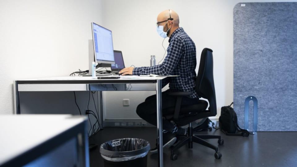 Zur Zeit arbeiten 150 Personen im Kanton für das Contact Tracing. 50 sollen nun dazu kommen.
