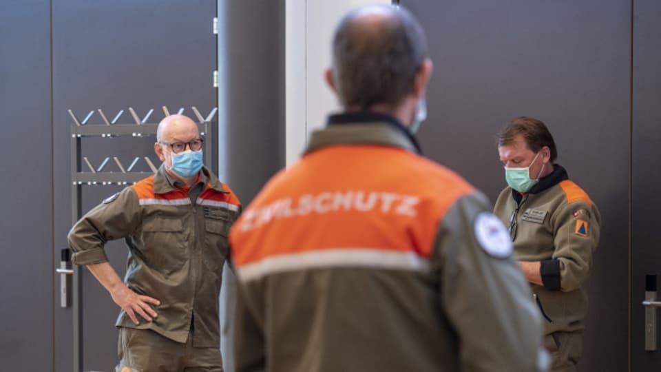 Weiter in der Sendung:  Neue Probleme für die Stadt Biel: Der Turnverband steigt beim geplanten Hallenprojekt aus.  Seit Donnerstagabend wird in der Aare in Bern ein Schwimmer vermisst. Er schaffte den Ausstieg nicht mehr rechtzeitig.