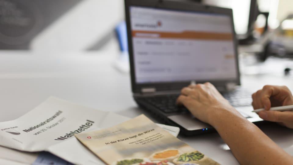 Auf der Onlineplattform Smartvote stellen auch Bürger Fragen