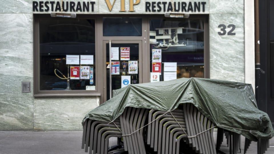 Bonjour Tristesse: In Basel haben die Beizen die Stühle hochgeklappt.