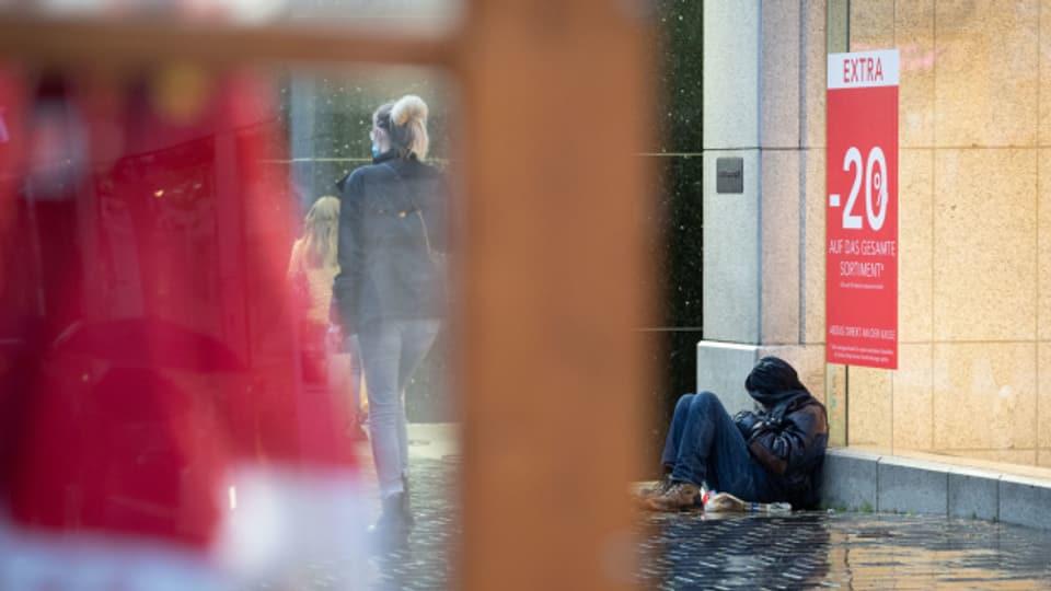 Gehören nicht nur in Basel zum Strassenbild: Bettler