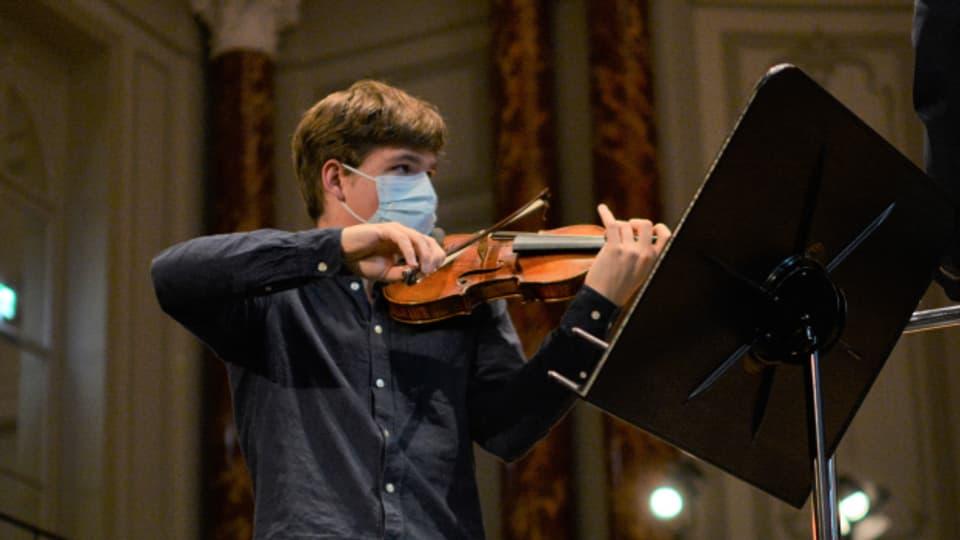 Anatol Toth sorgt schon mit knapp siebzehn Jahren in der Musikszene für Furore.