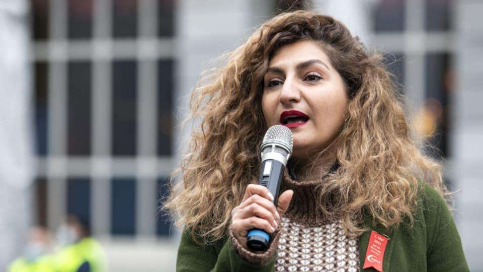 Nationalrätin Sibel Arslan, hier an der 1.Mai-Demo dieses Jahr in Zürich