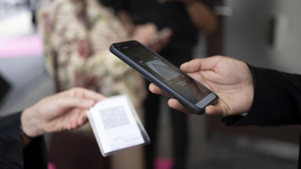 Basler Behörden kontrollieren Umsetzung der Zertifikatspflicht