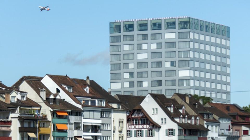 Die Komplexität des Bauprojekts Biozentrum der Universität Basel ist unterschätzt worden. Zu diesem Schluss kommt eine externe Analyse der pannenreichen Baugeschichte, die von den Kantonen Basel-Stadt und Baselland in Auftrag gegeben wurde.