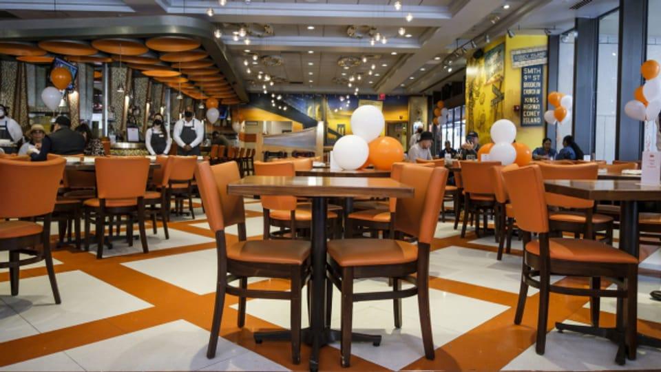 Ende Mai sollen auch Innenräume von Restaurants wieder öffnen.