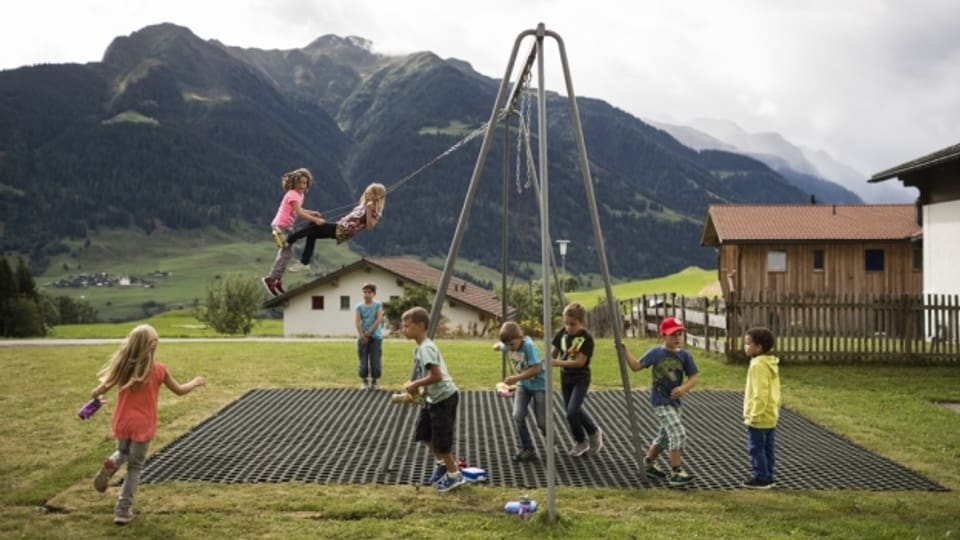 Landkinder schneiden in Sachen Beweglichkeit besser ab als Stadtkinder.