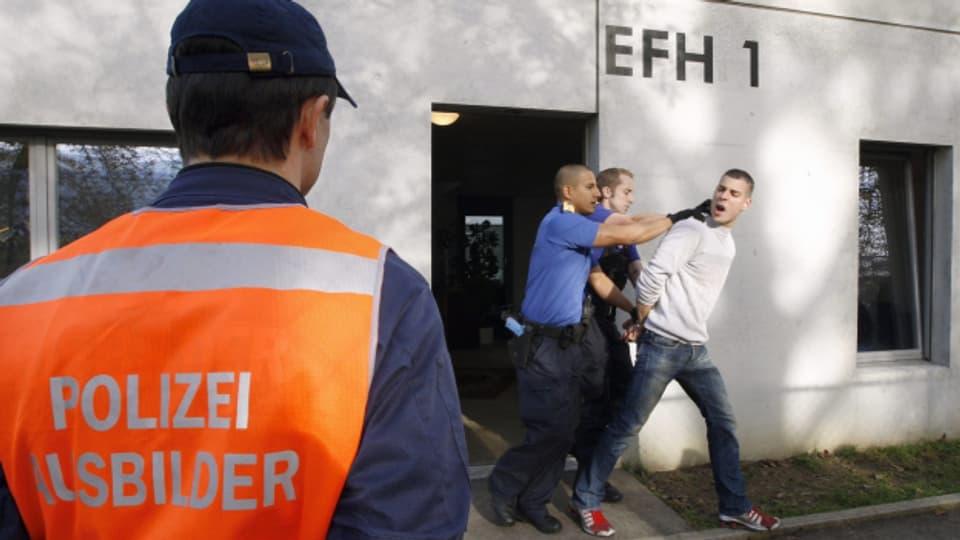 Der Kanton Bern will keine Polizistinnen und Polizisten mehr nach Hitzkirch in die Ausbildung schicken.