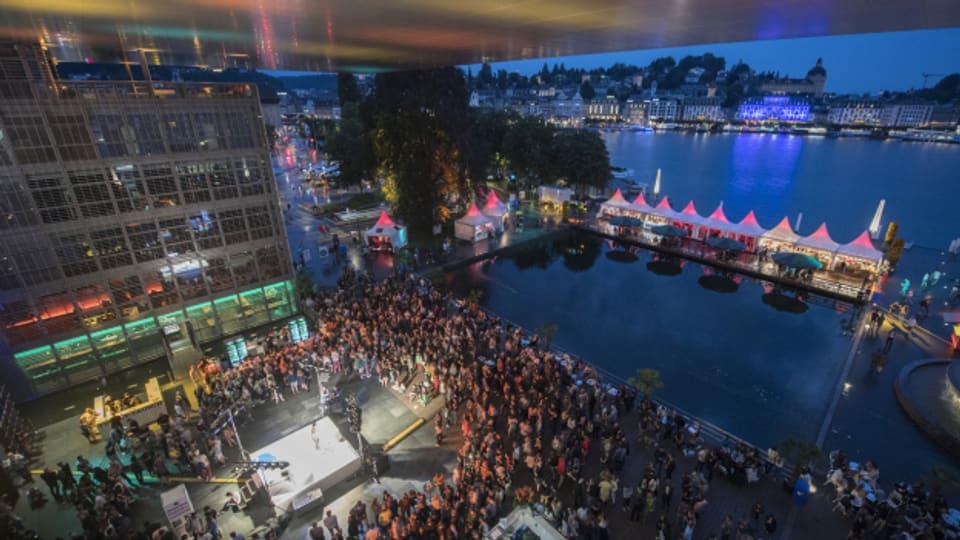 Damit wird auch dieses Jahr wieder nichts: Konzert am Blue Balls-Festival von 2019.