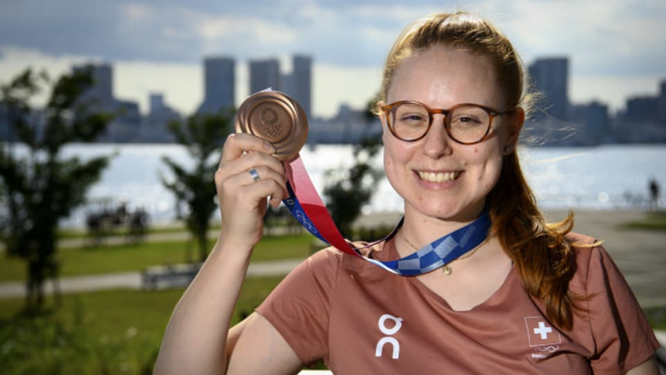Nina Christen landet einen Coup: Die Schützin holt an den Olympischen Spielen Bronze,
