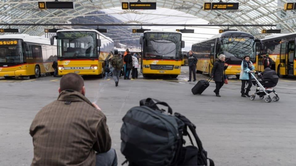 Im Churer Busbahnhof verkehren bald mehr Fernbusse.