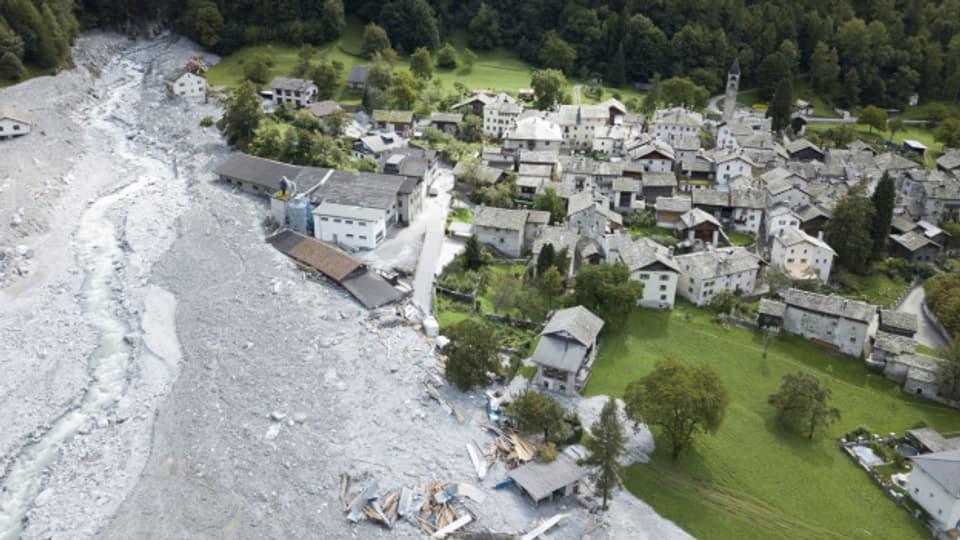 Das Dorf Bondo nach dem Bergsturz am Piz Cengalo.