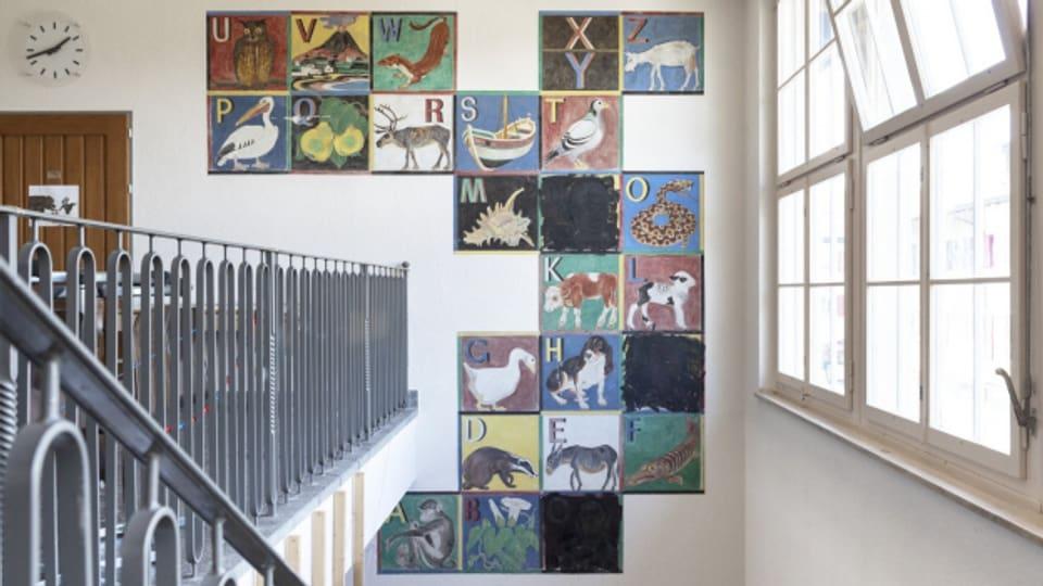 Das Wandbild im Schulhaus Wylerut soll künftig in einem Museum zu sehen sein.