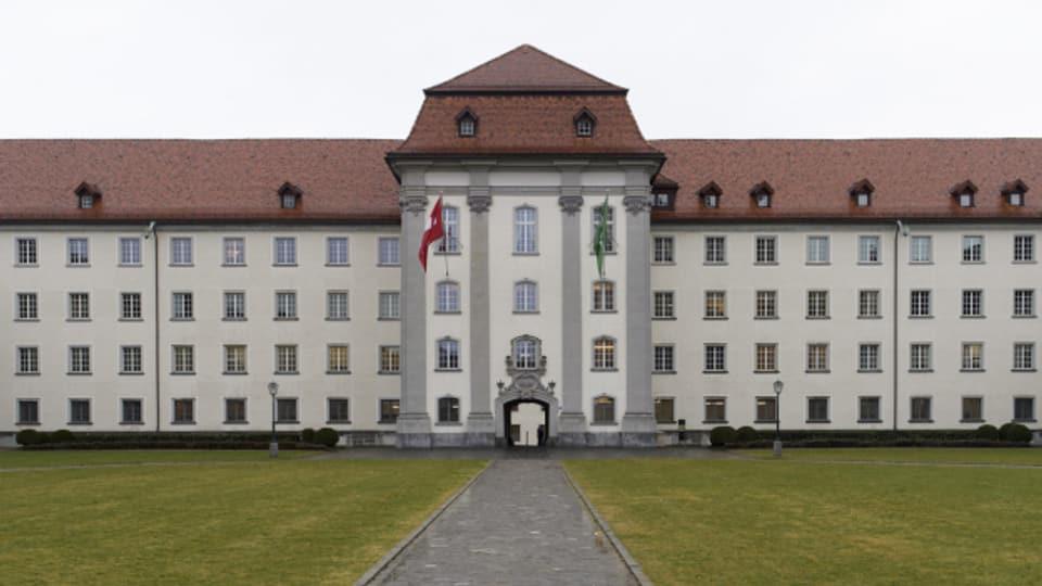 In der St. Galler Verwaltung, wie hier im Regierungsgebäude in St. Gallen, sollen nur neue Corona-Stellen geschaffen werden, findet die Kommission.