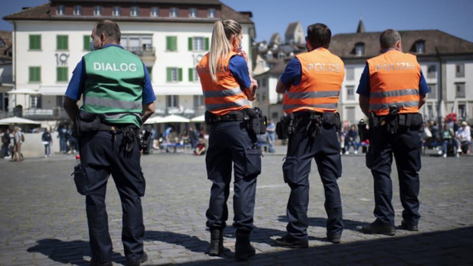 St. Galler Regierung verteidigt den Polizei-Einsatz an der Anti-Corona-Demo in Rapperswil-Jona