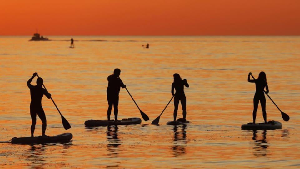 Die Wassersportgeräte sollten gut gereinigt und getrocknet werden.