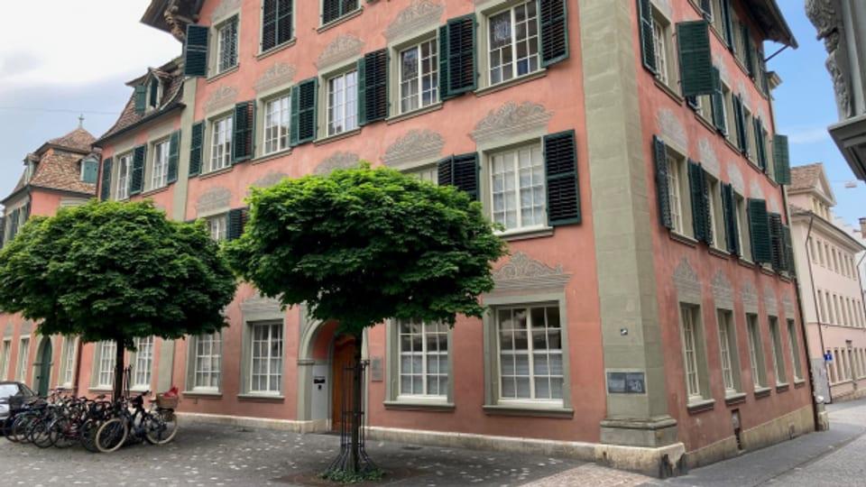 Das Schaffhauser Stadthaus: Der Personalanstieg in der Verwaltung ärgert die Bürgerlichen.