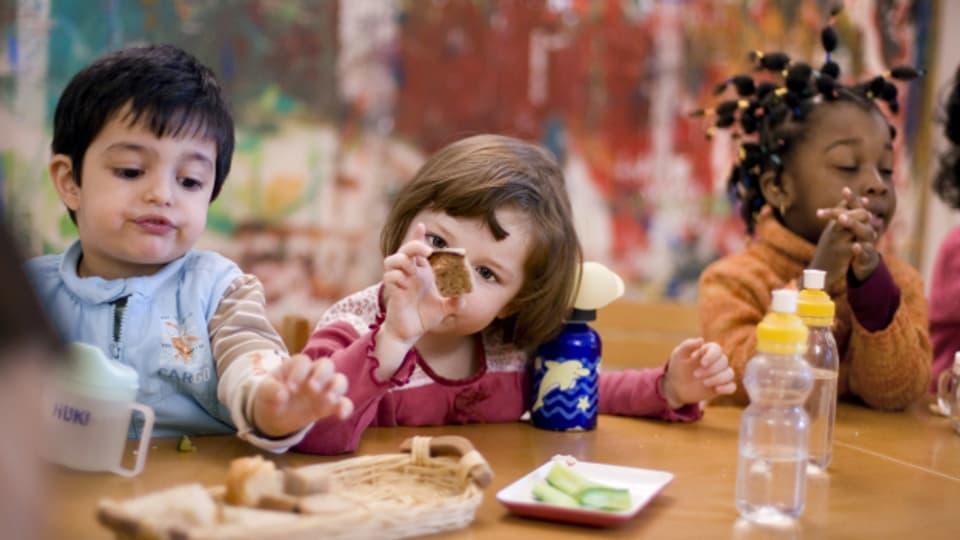Fremdsprachige Kinder im Hort.