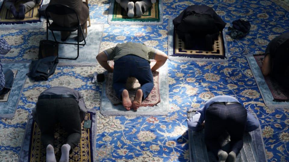Die Moscheen nehmen wegen der Pandemie weniger Geld ein.
