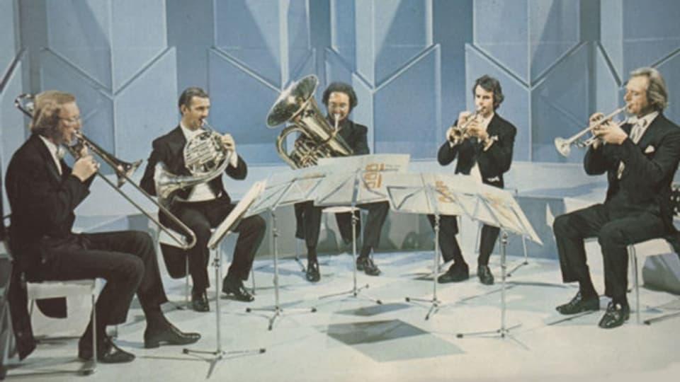 Quintet Philip Jones Brass Ensemble (da sanester): John Iveson, Ifor James, John Fletcher, Philip Jones ed Elgar Howarth.