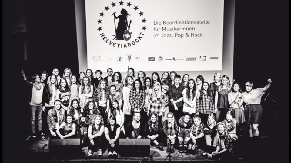 Las participantas da l'ultim workshop a chaschun dal concert final la primavaira 2015.