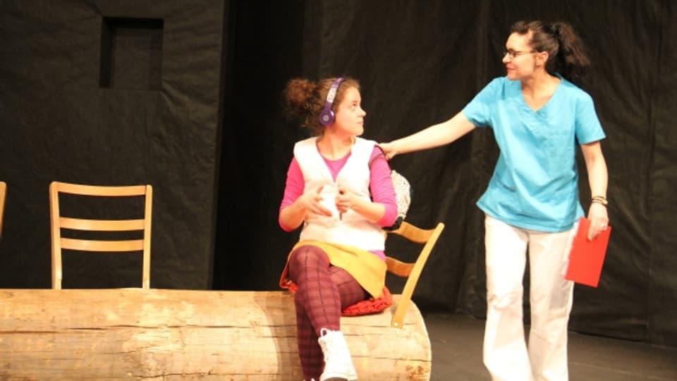 Durant las emprovas da l'Uniun da teater Cuschnaus.