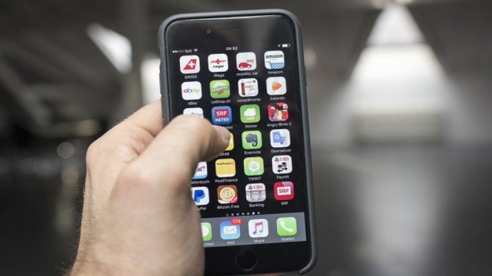Cun l'app search.ch pon ins era bloccar numers da call-centers.