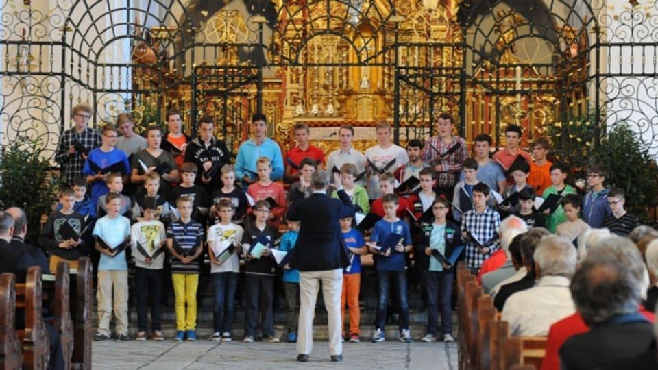 Chor dal dom da Cologna en la baselgia da la claustra a Mustér l'onn 2014.