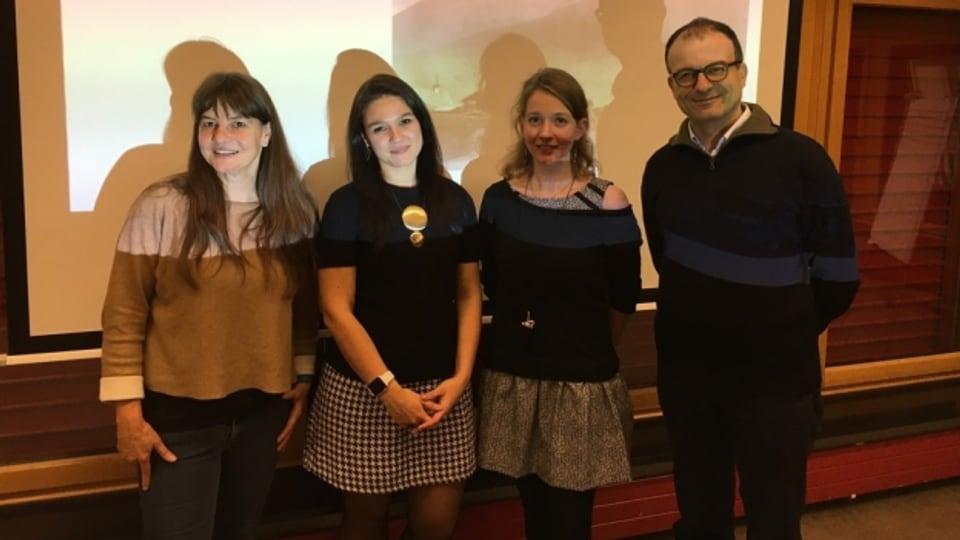 Il team da l'universitad da Turitg: Sabine Stoll, Jekaterina Mazara, Géraldine Walther, Michele Loporcaro (da sen).