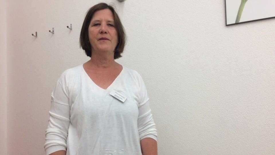 Dapi 25 onns è Ingrid Meyer logopeda en l'ospital cantunal a Cuira ed en l'ospital regiunal a Glion