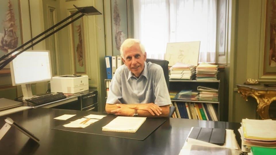 Claudio Riesen en ses biro ch'el vegn a bandunar ils 29 da zercladur 2017