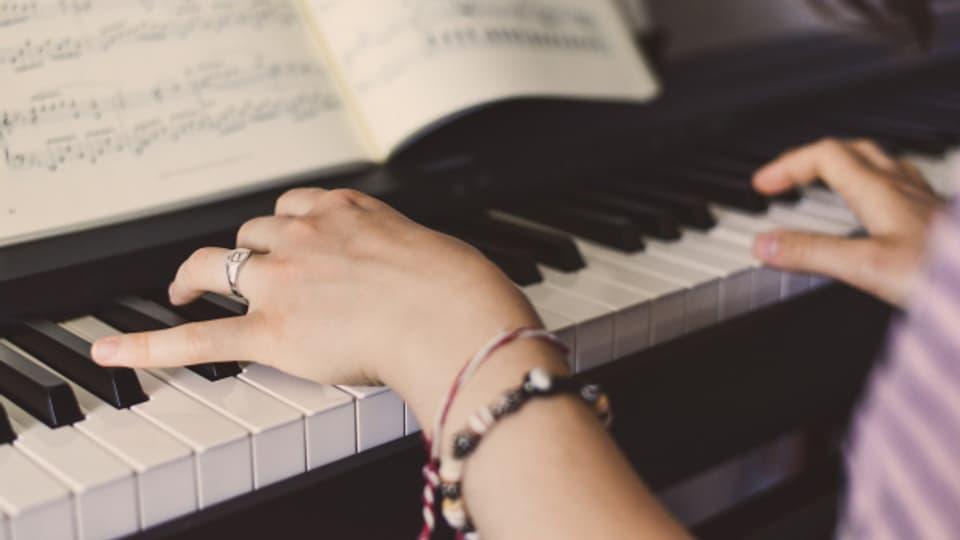 «La musica è la suletta lingua dal mund che tuts chapeschan.» – Nikolaus Johann Harnoncourt.