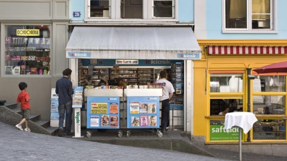 In pitschen kiosk cun insaquantas maisas e sutgas para da pudair far concurrenza als restaurants (maletg simbolic).