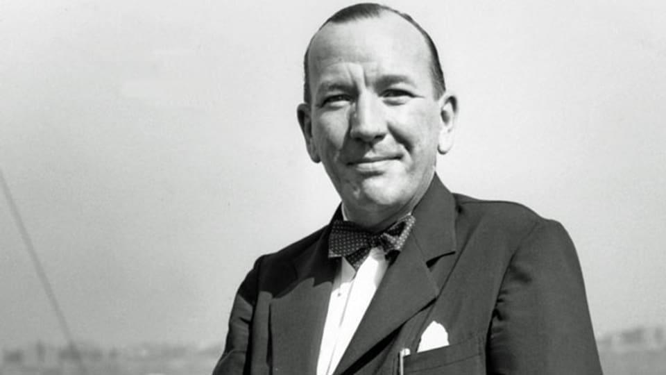 Der englische Schauspieler, Schriftsteller und Komponist Noel Coward (1899 - 1973).