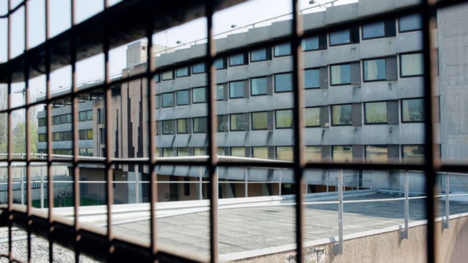Das Zentrum «La Pâquerette» befindet sich auf einem Stockwerk der Genfer Strafanstalt Champ-Dollon und bietet Platz für bis zu 22 Insassen.