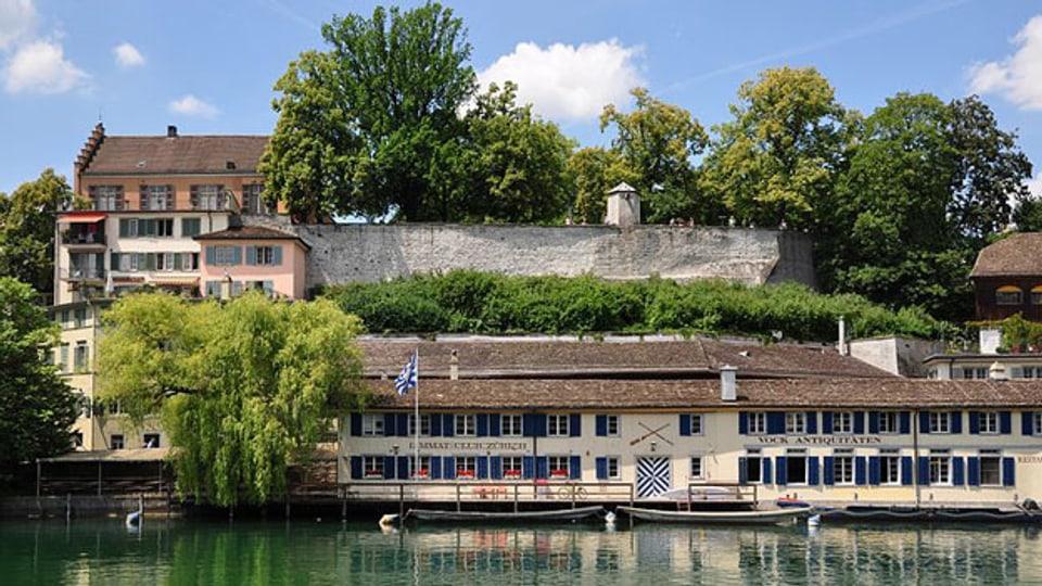 Lindenhof, Zürich, oder Turicum: Schauplatz des Hörspiels. Die Festungsmauern sind Überreste des römischen Kastells.