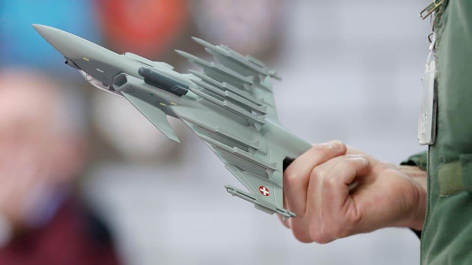 Kampf um den Kampfjet: Im «Forum» kommen Befürworter und Gegner zu Wort.