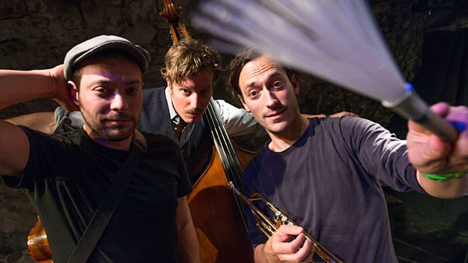 DR EINZIG, DR ANDR UND DIISÄ sind Livio Baldelli, Benno Muheim und Matteo Schenardi.