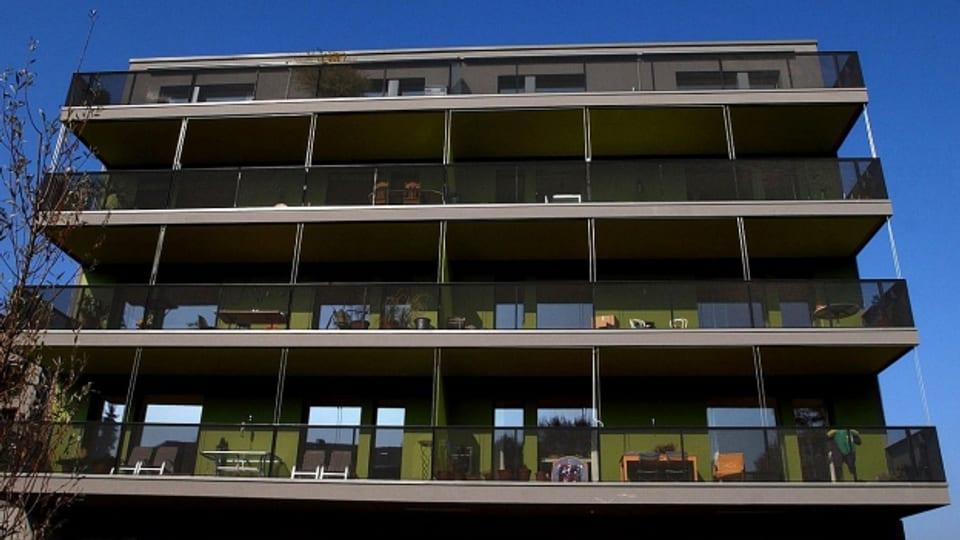 300 Kilo pro Quadratmeter: Dies die Faustregel dazu, wieviel Gewicht ein Balkon tragen kann.