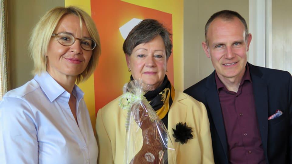 Moderatorin Sonja Hasler (links) mit Beatrice Magnin und Oliver Matter.