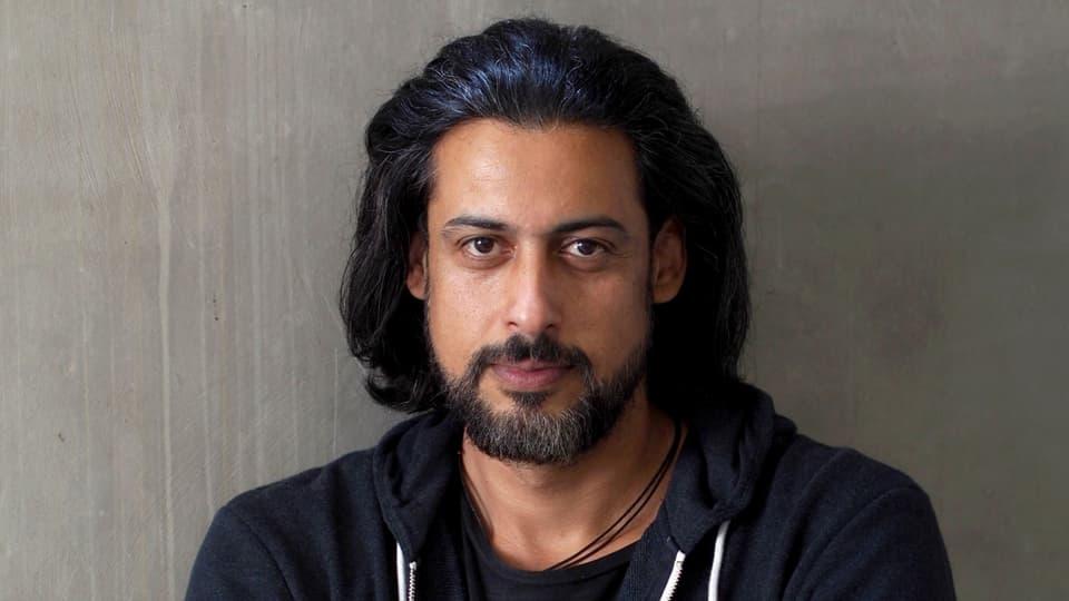 Der Autor Abbas Khider (Bild: Peter-Andreas Hassiepen)