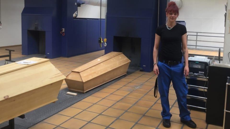 Wenn viel gestorben wird, macht sie Überstunden: Stefanie Freiermuth (35).