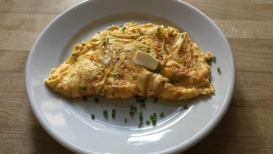 Omelette selbstgemacht: geht schnell, schmeckt gut – und ist gesünder als Fertig-Pizza oder Chips.