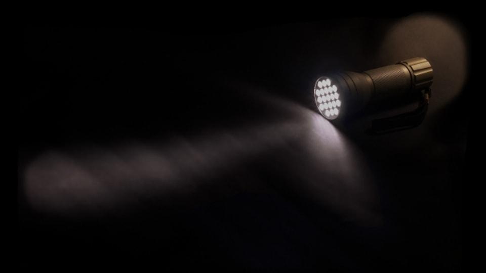 Unabdingbar beim Blackout: Taschenlampen oder Kerzen