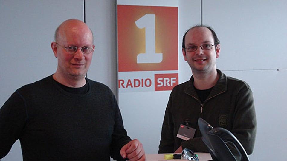 Zwei «Ammänner» der alemannischen Wikipedia im Radiostudio: Jürgen Sutter (l.) und Patrick Kenel