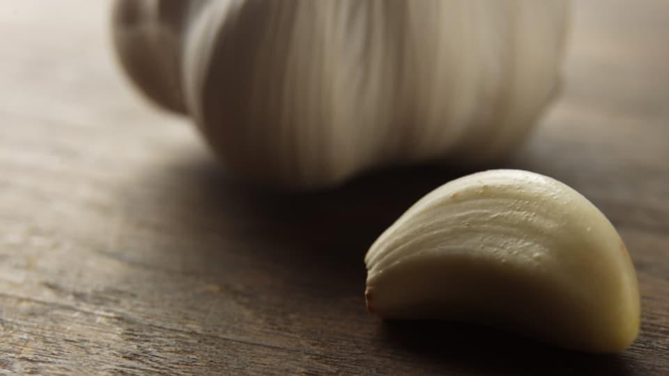 Knoblauch sei bekömmlicher, wenn der Speise etwas Ingwer beigemischt wird, raten Hörer.