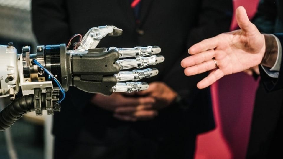 Hand in Hand mit der Künstlichen Intelligenz: Ist das die Zukunft?